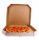 Постер, плакат: Вкусная итальянская пицца над белой