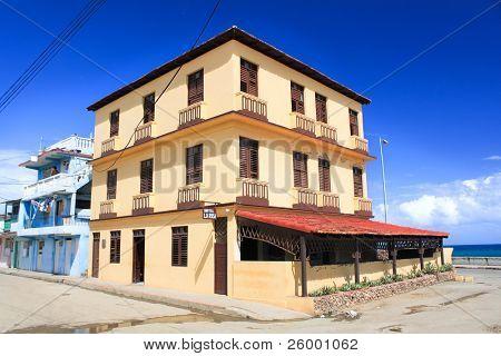 Hotel La Rusa, Russian emigre, known as La Rusa, built 12- room hotel and quickly became a  local celebrity receiving esteemed guests such as Che Guevara, Fidel Castro, Errol Flynn. Baracoa, Cuba