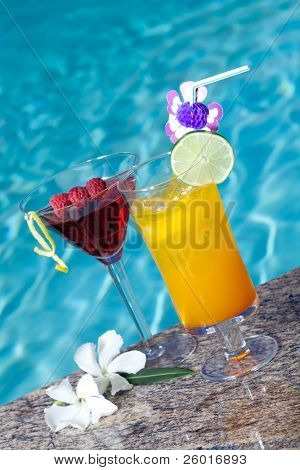 Mai Tai and Cosmopolitan cocktails on swimming pool side