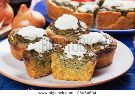 Corn pone filled with spinach and sour cream