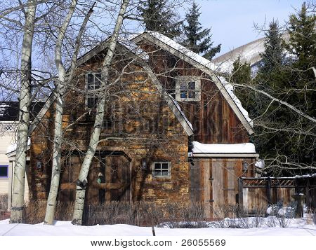 aspen home in the winter