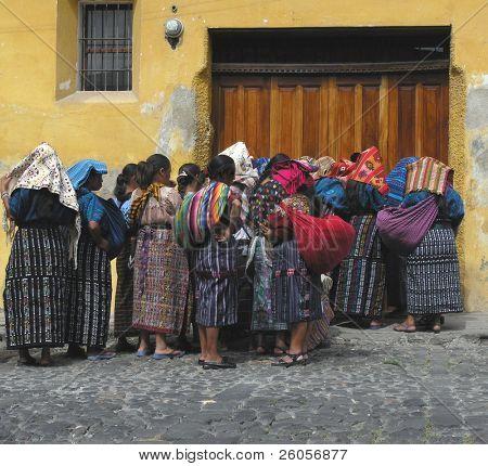 mayan women antigua