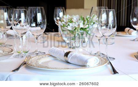 Mesa de lujo para una cena