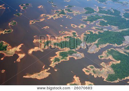 Vista aérea sobre o rio Orinoco, na Venezuela