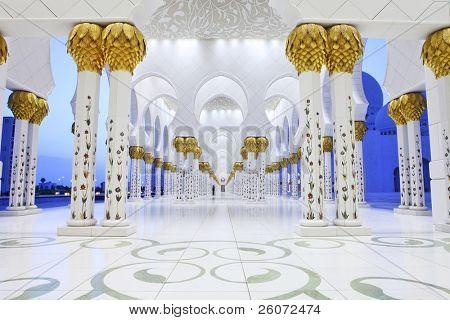 Innere der Sheikh-Zayed-Moschee, Abu Dhabi, Vereinigte Arabische Emirate