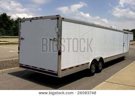 Trailer for hauling cars