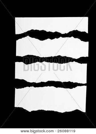 Trozos de papel rasgado de blanco negro