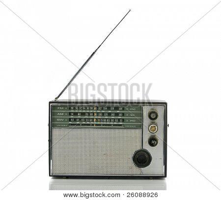 alte Radio, isoliert auf weiss