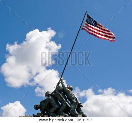 硫磺岛战役纪念雕像
