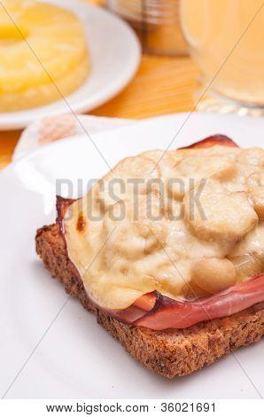 Hawai Toast