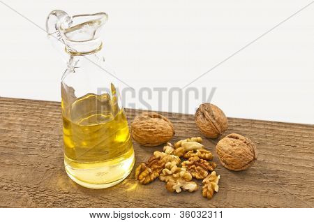 Walnut Oil With Walnuts