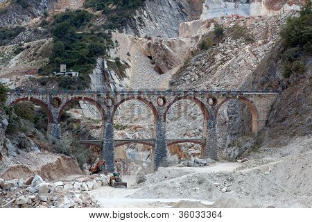 Carrara bridge