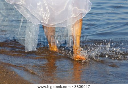 Bride On The Watter