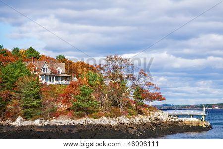 Autumn colors on the coast