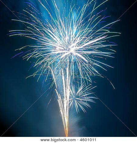 Salute, Feuerwerk.