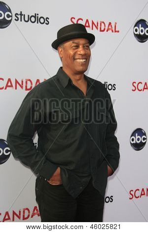 LOS ANGELES - MAY 16:  Joe Morton arrives at