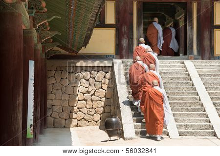 Korean Buddhist monks