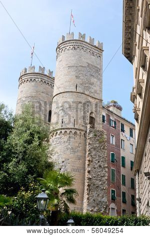 Porto Soprano Gates