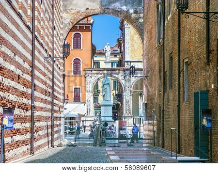Dante Statue In Piazza Signori In Verona Italy