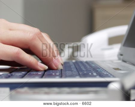 Keyboard Hand 80833 poster
