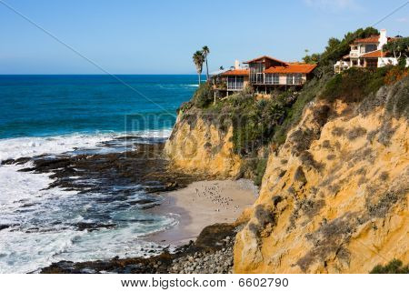 Homes at the cliff