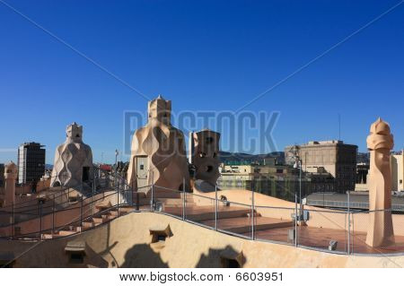 Barcelona And Gaudí­: La Pedrera Or Casa Mila