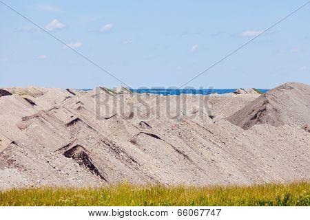 Barren Coalmine Tailing Mining Industrial Abstract