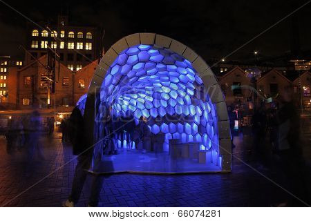 People Enjoying Cellular Tessellation During Vivid Sydney