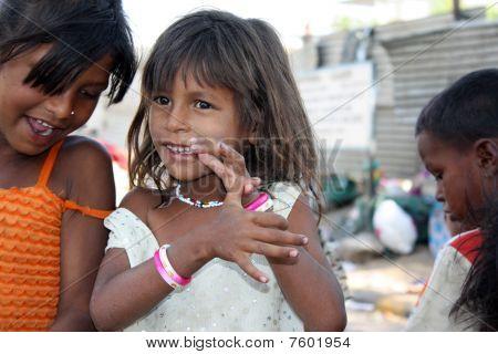 Gossiping Beggar Girls