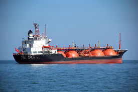 picture of anchor  - fuel tanker in the sea  - JPG