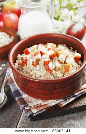 Porridge With Caramelized Apples