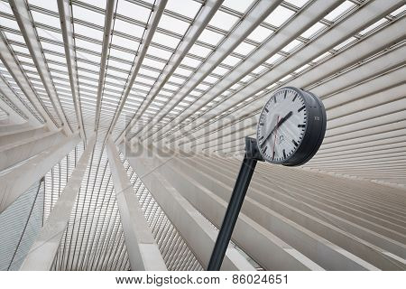 A clock surrounded by lines