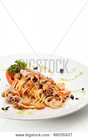 Spaghetti with Seafood and Tomato