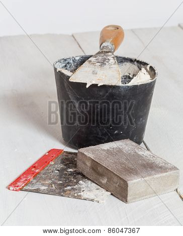 Spatula Mixing Tub And Sanding Block