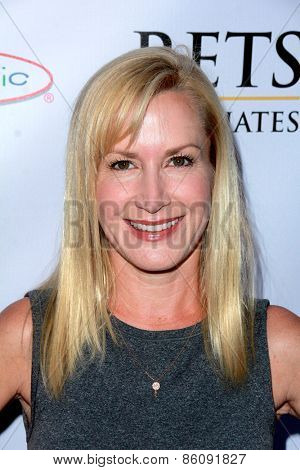 LOS ANGELES - MAR 18:  Angela Kinsey at the Norma Jean Gala at the Taglyan Complex on March 18, 2015 in Los Angeles, CA