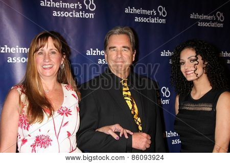 LOS ANGELES - MAR 18: Wendy Bridges, Beau Bridges, guest at the 23rd Annual A Night at Sardi's to benefit the Alzheimer's Association at the Beverly Hilton Hotel on March 18, 2015 in Beverly Hills, CA