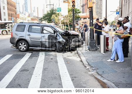 SUV in front of Brooklyn LIRR
