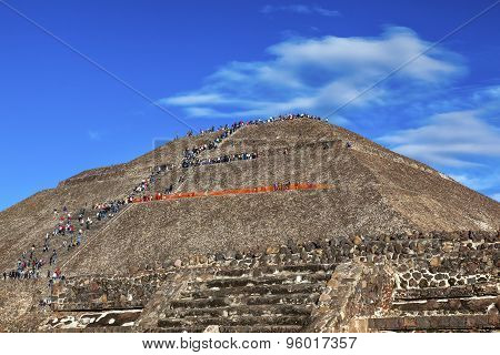 Temple Of Sun Climbing Pyramid Teotihuacan Mexico City Mexico
