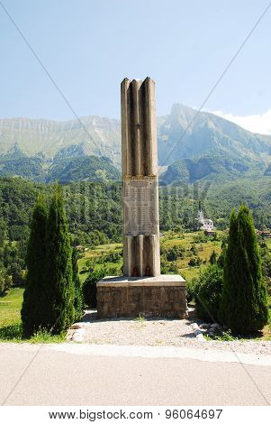 War Memorial Outside Dreznica 4