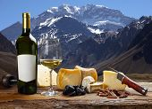 foto of aconcagua  - White wine accompanied by various cheeses - JPG