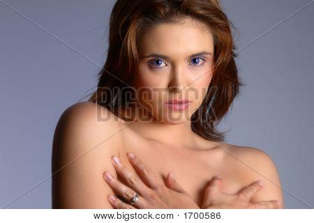 Morena desnuda