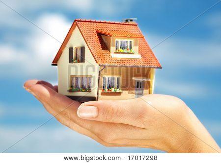 La casa en manos humanas