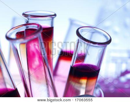 Cristalería de laboratorio