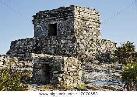 Blick auf die Maya Ausgrabungsstätte von tulum