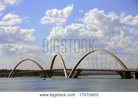 Puente Juscelino Kubitschek en brasilia ciudad capital de Brasil