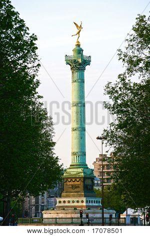 La Bastille Colum