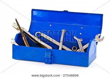 Un conjunto de herramientas en la caja de herramientas azul - aislados en fondo blanco.