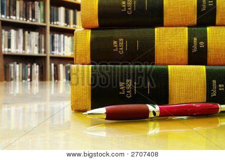 Gesetz Bücher Tabelle R