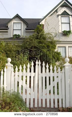 Picket Fence Entry
