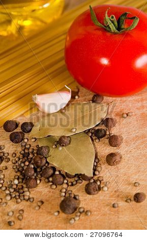 Pasta and tomato with spices